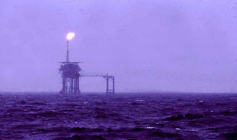 Puits de pétrole - commons wikimedia