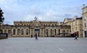 Bordeaux Place Pey Berland Minérale